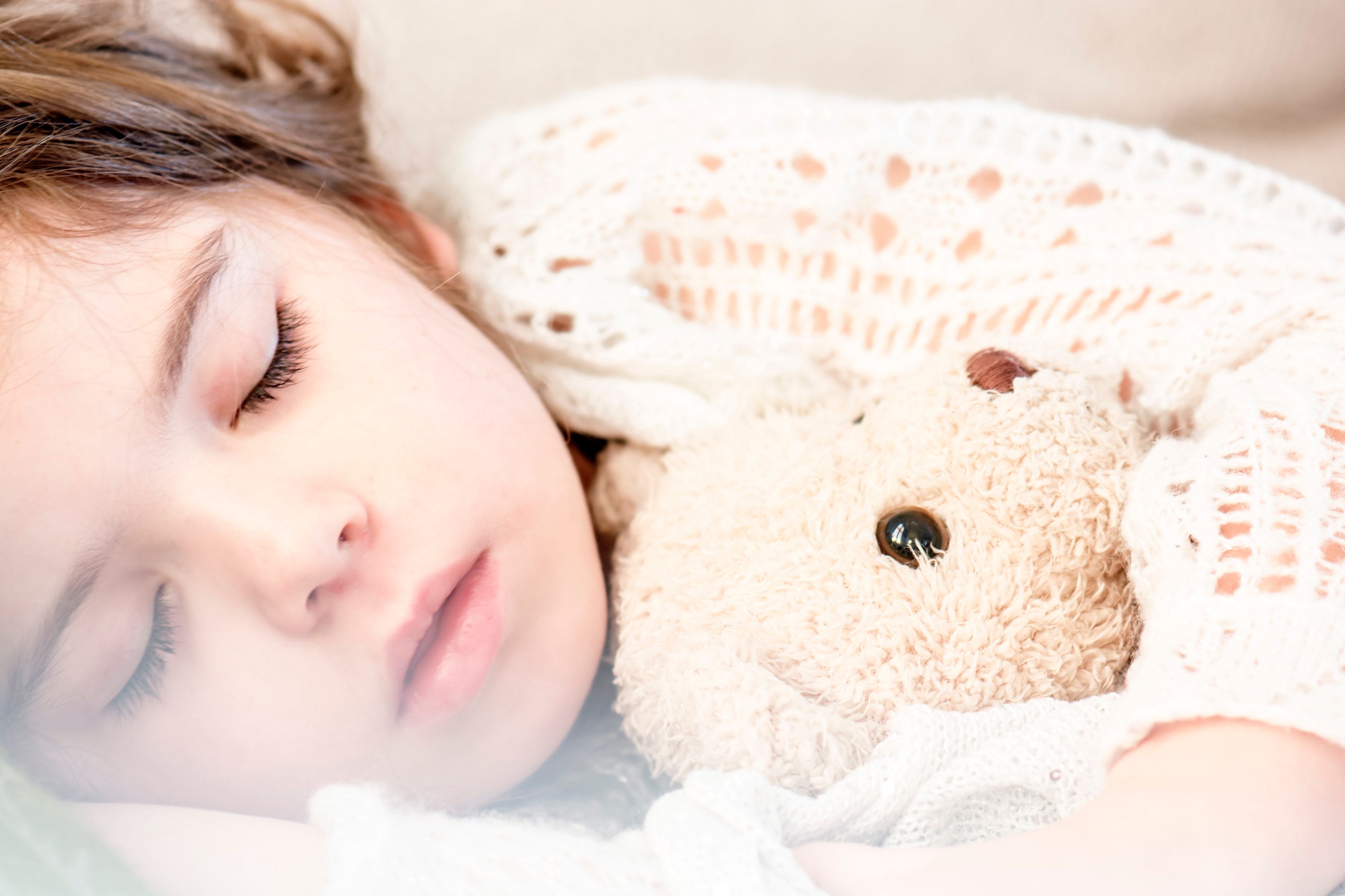 bed-child-cute-101523
