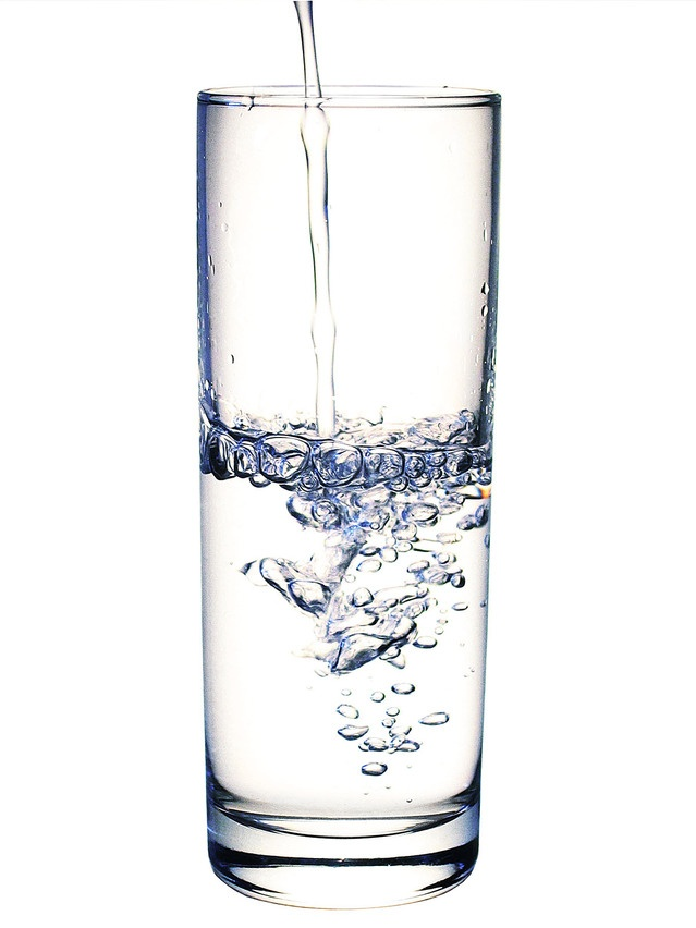 glass-2-filling-with-water-1507886-639x852.jpg
